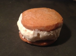 Lovely lemony vanilla ice cream cookie sandwiches. Do it.